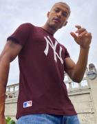 New Era MLB New York Yankees t-shirt in purple