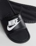 Nike Benassi jdi sliders in black